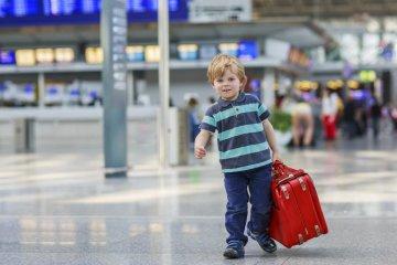 Виїзд дитини за кордон: все, що потрібно знати батькам