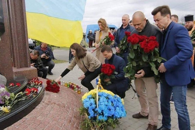У Дніпрі вшанували пам'ять загиблих у зоні АТО/ООС