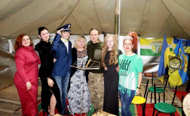 Через мистецтво вирішити соціальні проблеми: як переселенці у Лисичанську допомагають один одному й місту