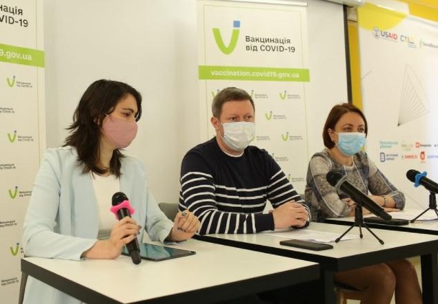 У Маріуполі медичні експерти розповіли, кого щепитимуть вакциною AstraZeneca корейського виробництва