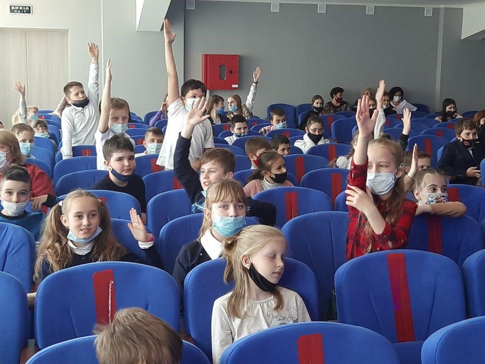 «ARTПЕРЕМИР'Я» знов на Донеччині – дітям подарували радість на Великодні свята - Фото №5