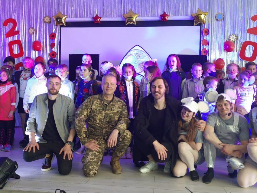 «ARTПЕРЕМИР'Я» знов на Донеччині – дітям подарували радість на Великодні свята