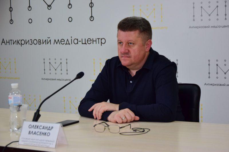 Фахово про вакцинацію від Covid-19 – на актуальні запитання відповідає лікар Олександр Власенко